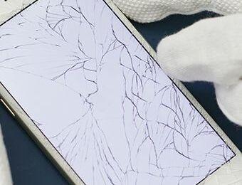 Crackedscreen-Smartphone-Repair