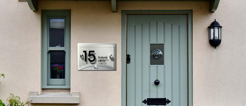 Warum eine gut sichtbare Hausnummer wichtig ist
