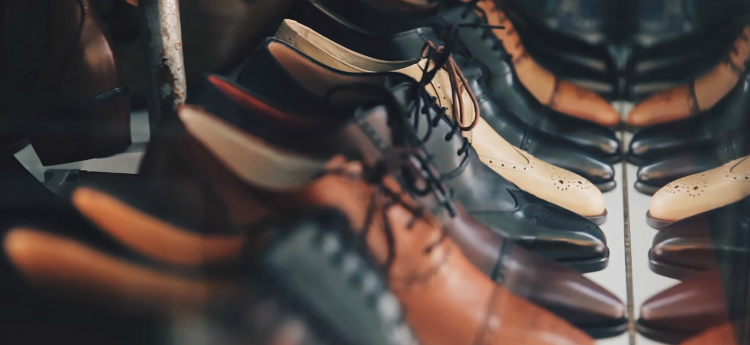 How To Refresh The Color Of Your Shoes Yourself