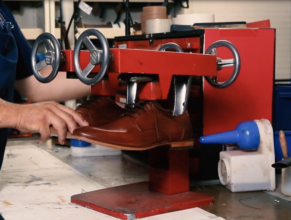 stretch-shoes.jpg#asset:13386